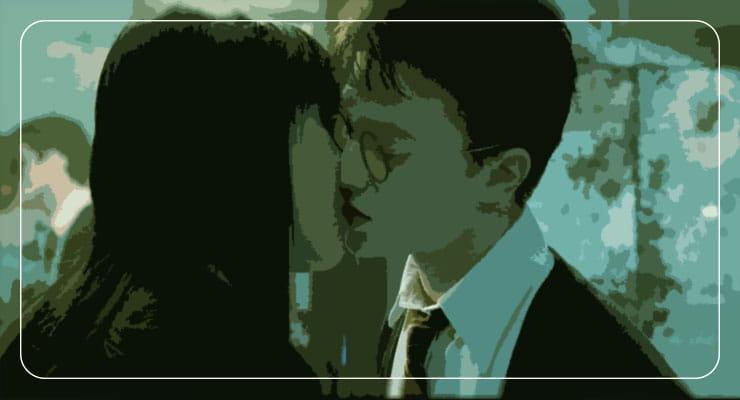 Джинни и Поттер целуются